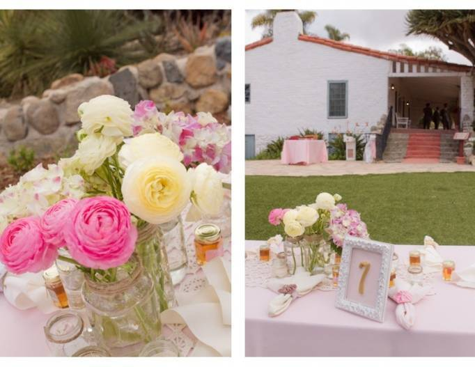 pink and cream centerpieces