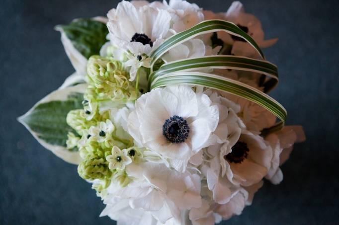 White Anenome bouquet