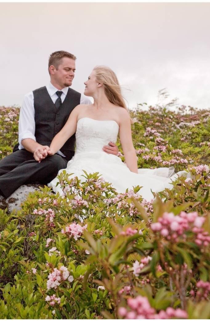 wildflower wedding photo shoot