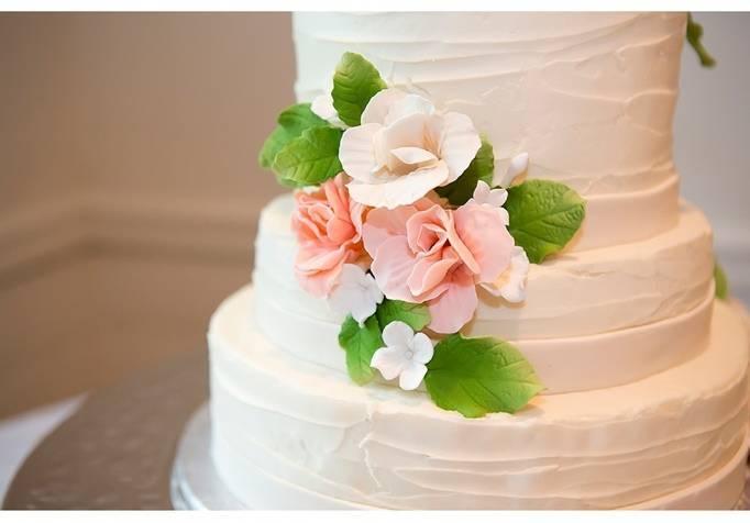 peach pink rose wedding cake