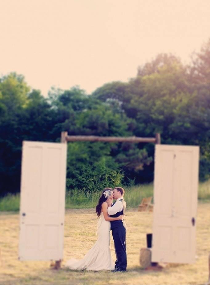 outside doorway for weddings
