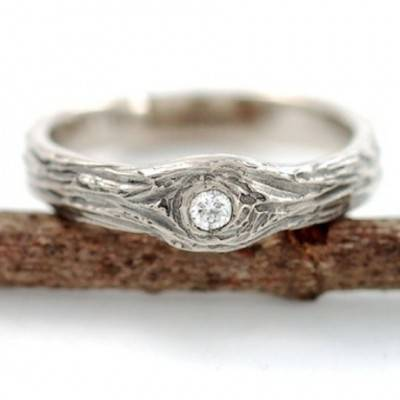 10 Beautiful Nature-Inspired Engagement Rings