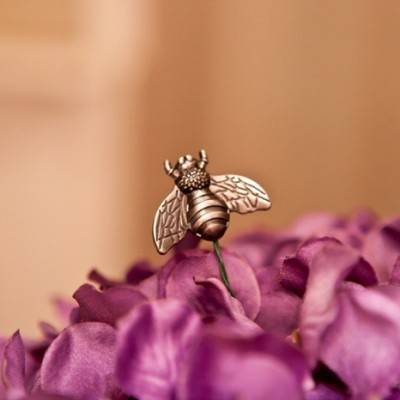 Honey Bee Wedding by Caitlinn Mahar Daniels Photography