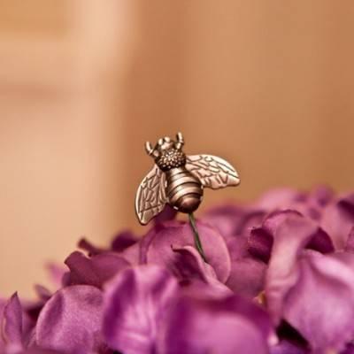 Honey Bee Wedding by Caitlinn Mahar Daniels Photography