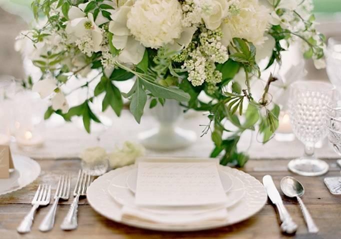 beautiful wedding place setting