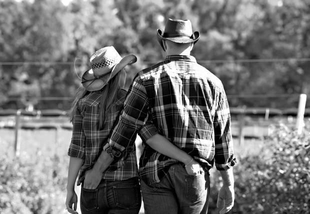 Autumn Orchard Engagement by Shoreshotz Photography