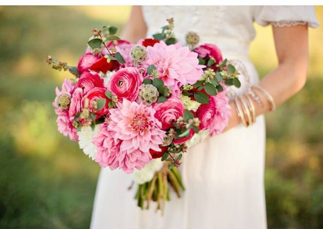 bright pink ranunculus bouquet