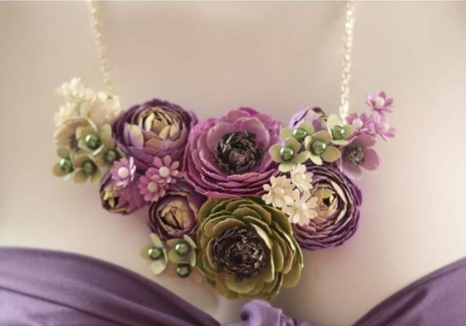 ranunculus necklace