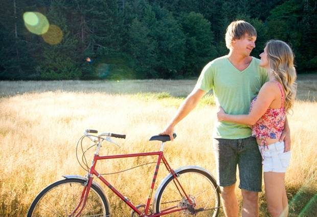 Outdoorsy Vancouver Engagement by Ashlene Nairn Photography