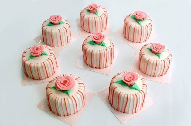 striped mini cakes
