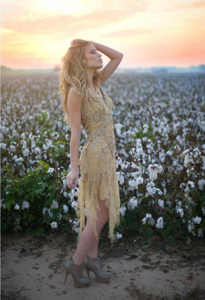 Sunrise Cotton Field Photo Shoot from Shalynne Imaging