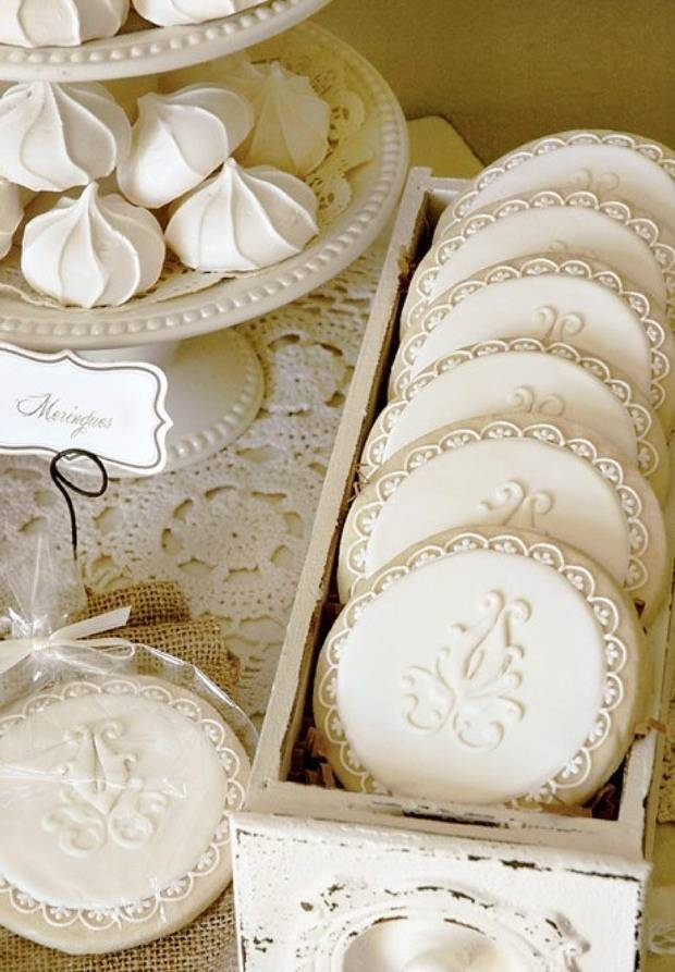 winter lace white cookies