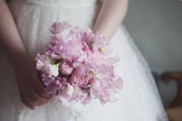 light pink sweet pea bouquet