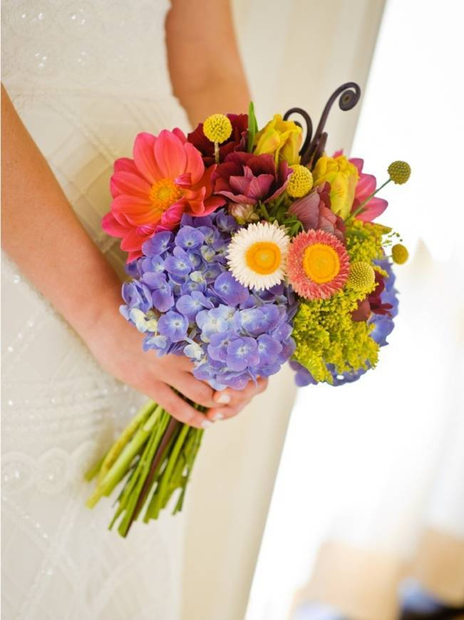 rustic and bright wedding bouquet