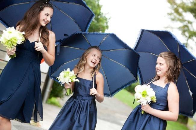 navy blue and green vineyard wedding
