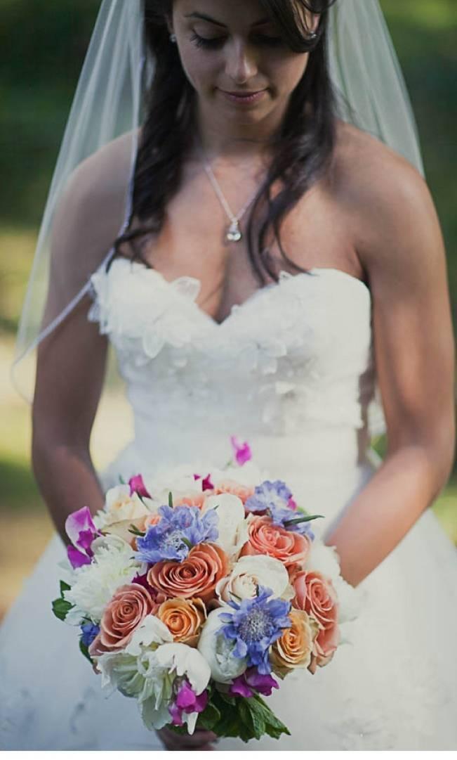 orange white periwinkle bouquet