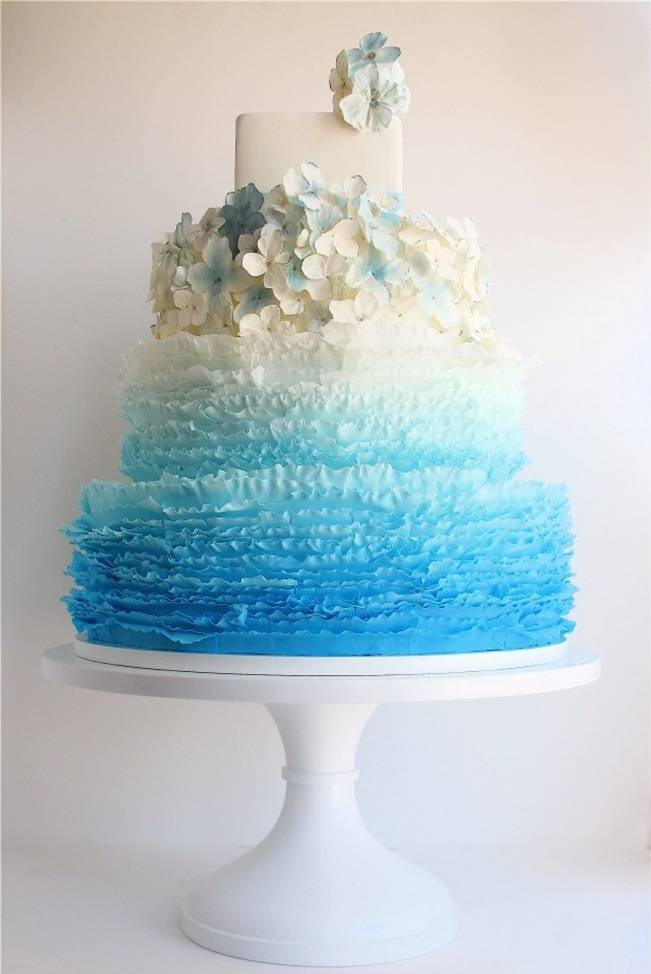 A Journey in Color: Ombré Wedding Cakes