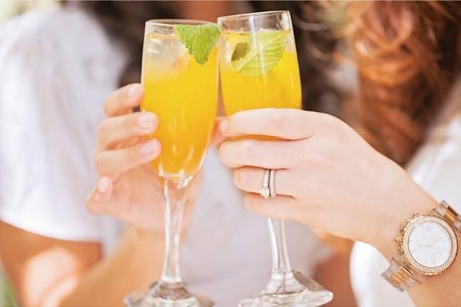 bridesmaid cocktails