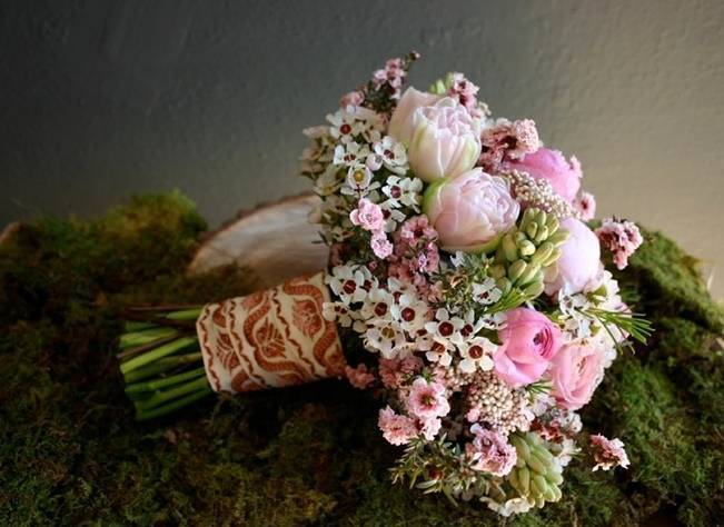 pink waxflower bouquet