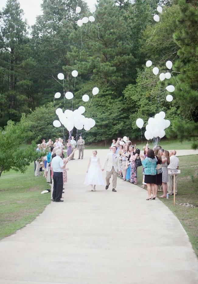 balloon release at wedding