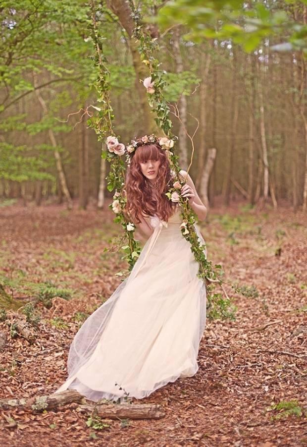 rustic bride wearing claire pettibone