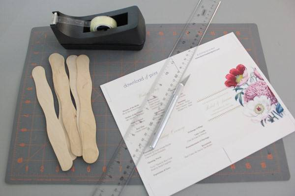 diy pretty blooms wedding program paddle fan