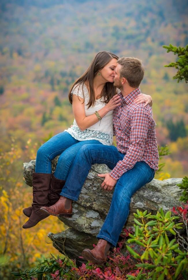 outdoorsy mountain engagement shoot
