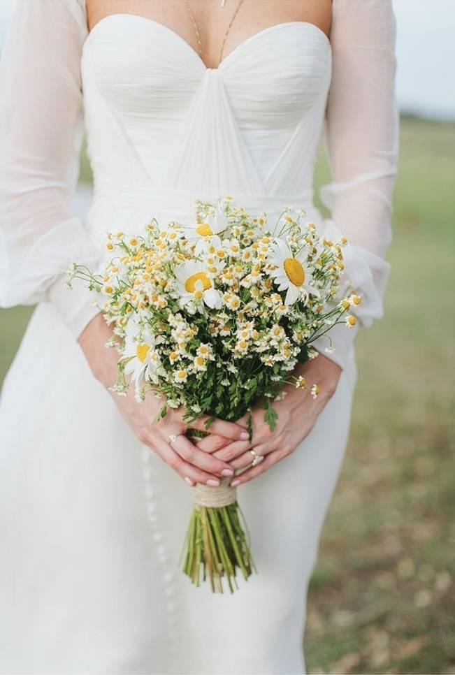 white daisy wildflower wedding bouquet
