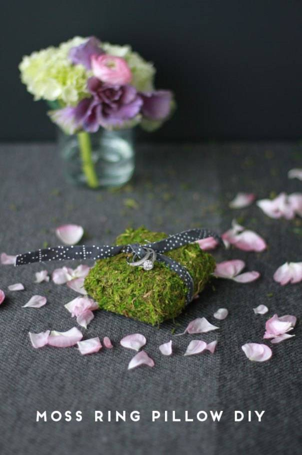 DIY: Moss Ring Pillow