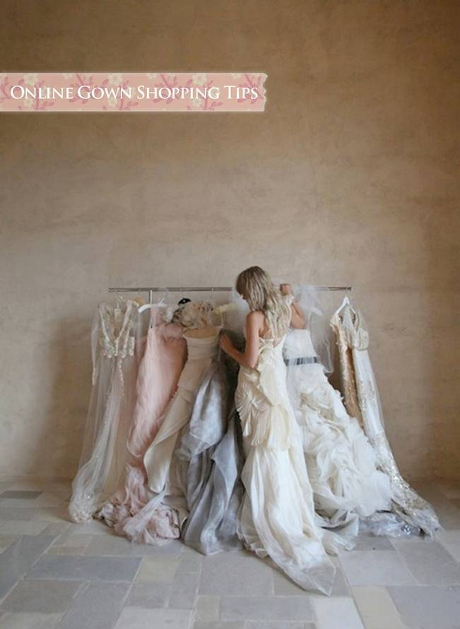 tips for buying a wedding gown online