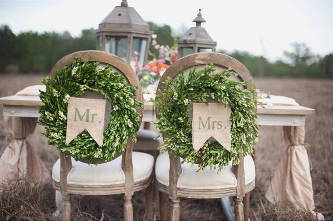 chair garlands for weddings mr. and mrs.