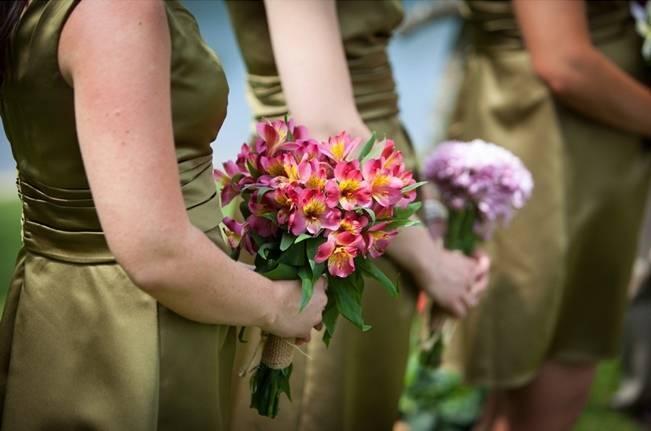 pink and orange bridesmaid bouquet