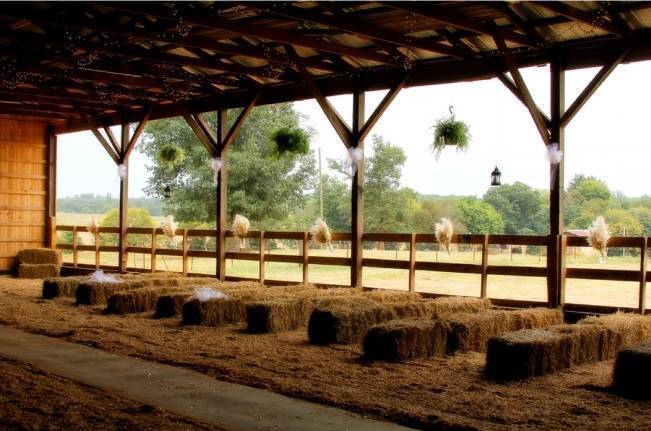 country barn wedding with horses