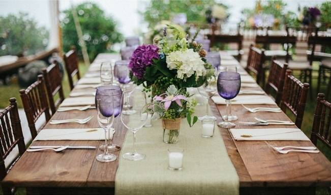 purple and green hydrangea table