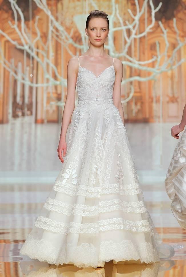 Guetaria gown