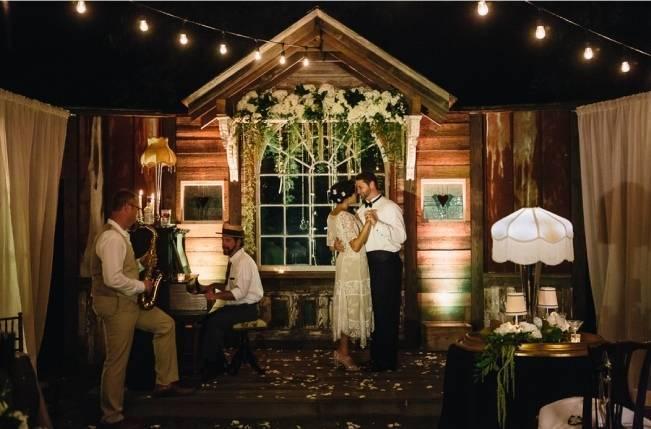vintage outdoor room