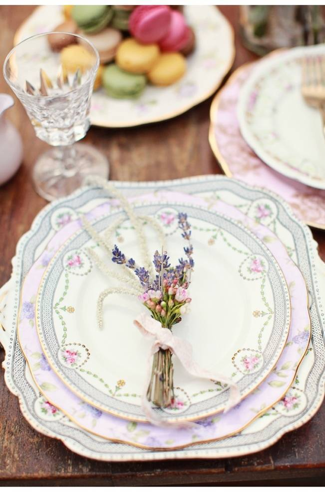 vintage china place settgni with lavender