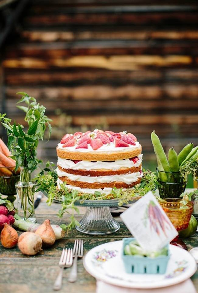 fresh strawberry naked cake