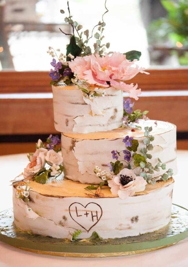 birch wedding cake with wildflowers