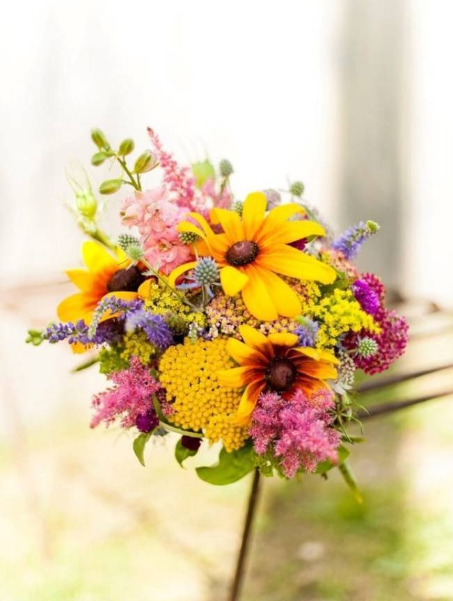 Black-eyed susan wedding bouquet