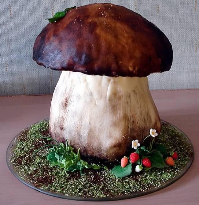 mushroom woodland fairy cake