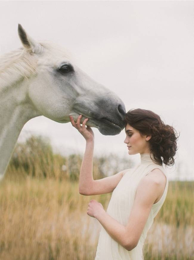 bride with white horse