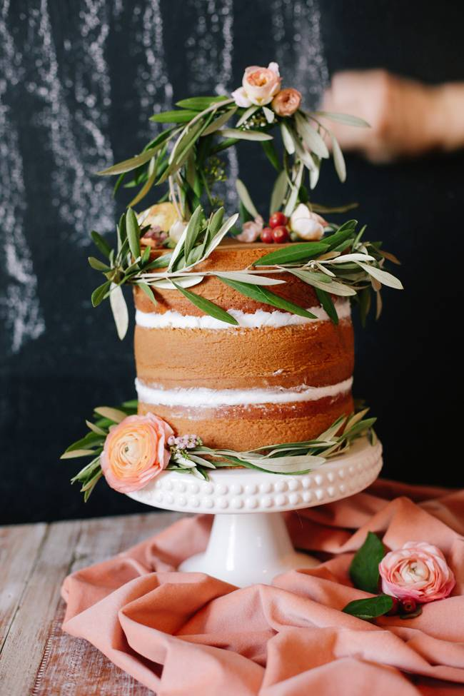 naked cake with olive leaves