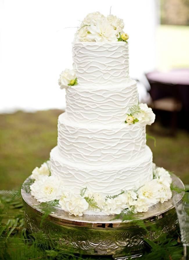 white and green woodland wedding cake