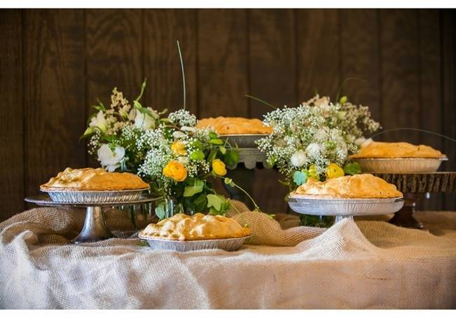 country pies instead of wedding cake