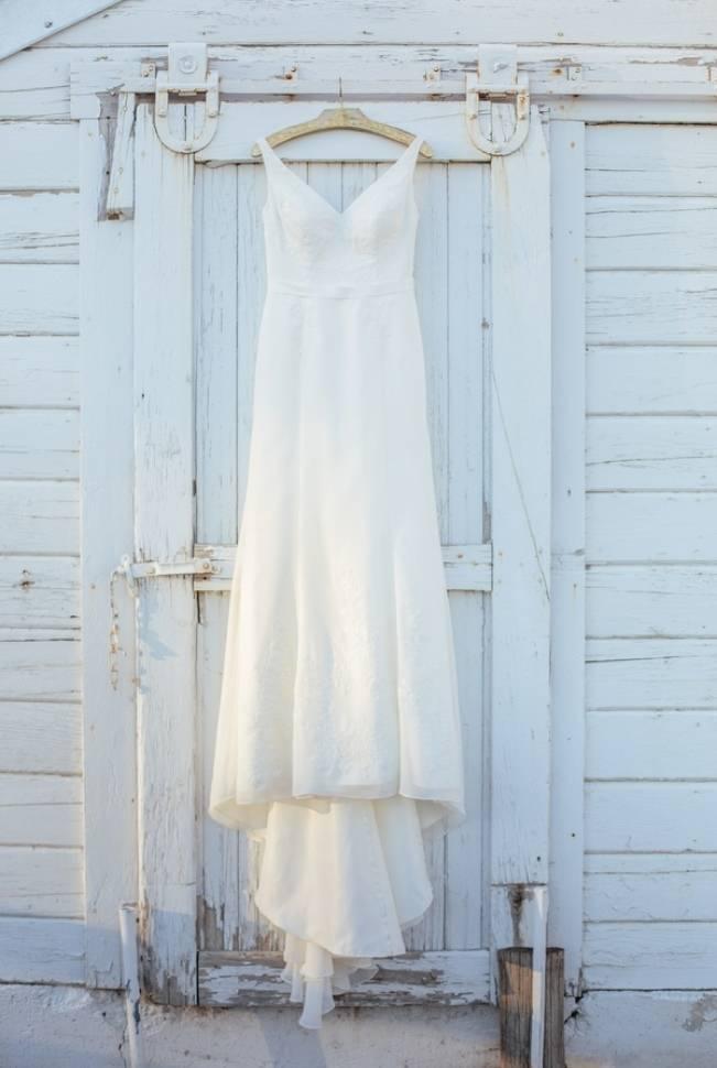 DIY Fall Oregon Barn Wedding {Captured by Corrin}