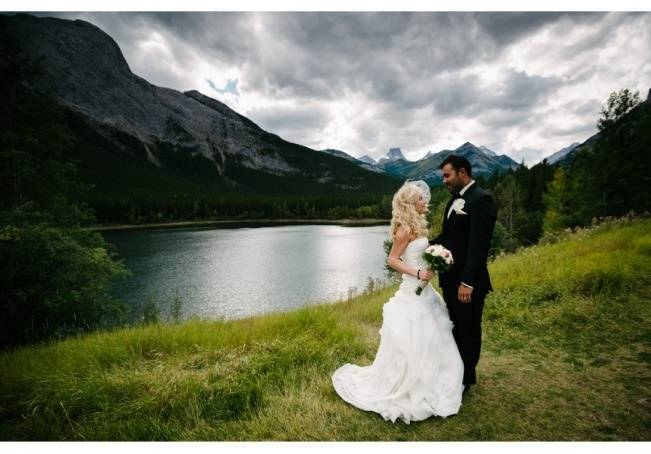 Rustic Mountain Wedding at The Delta Lodge {Photography by Ginevre} 13