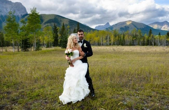Rustic Mountain Wedding at The Delta Lodge {Photography by Ginevre} 14