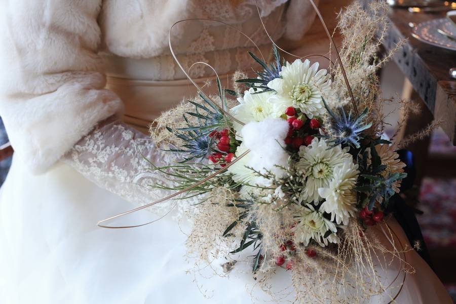 rustic winter bouquet