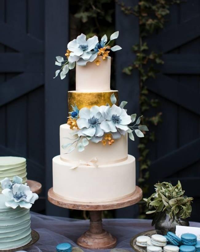 13 Inspiring Sugar Flower Wedding Cakes